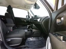 2018 Jeep Renegade Latitude SUV - G93025D - Thumbnail 33