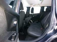 2018 Jeep Renegade Latitude SUV - G93025D - Thumbnail 38