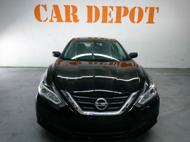 2016 Nissan Altima 2.5 Sedan - 208813D - Image 11