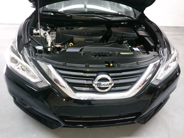 2016 Nissan Altima 2.5 Sedan - 208813D - Image 13