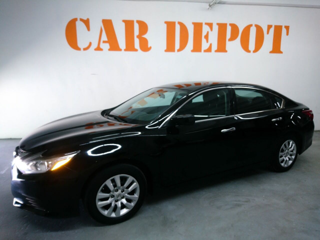2016 Nissan Altima 2.5 Sedan - 208813D - Image 16