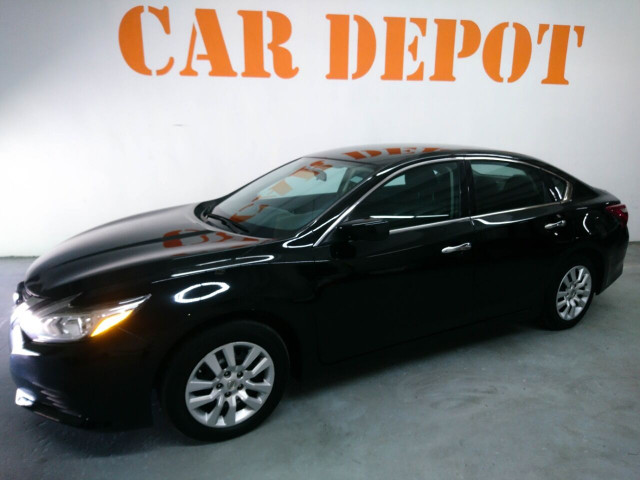 2016 Nissan Altima 2.5 Sedan - 208813D - Image 17