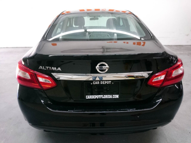 2016 Nissan Altima 2.5 Sedan - 208813D - Image 23