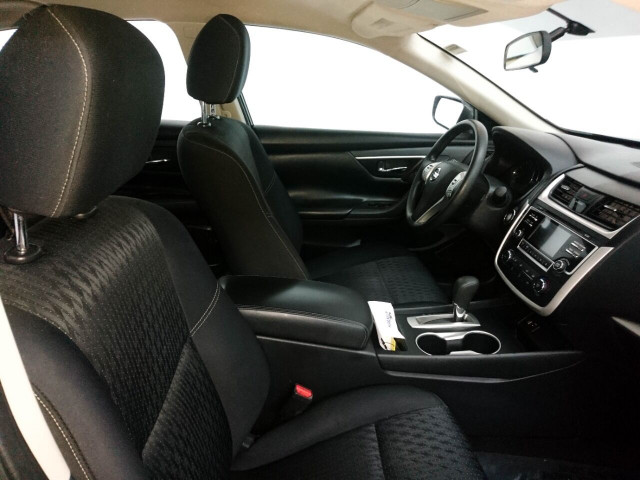 2016 Nissan Altima 2.5 Sedan - 208813D - Image 33