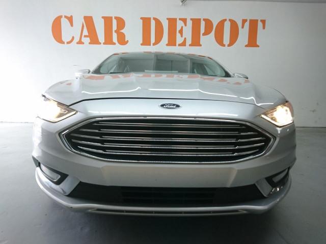 2017 Ford Fusion SE Sedan - 504935W - Image 5