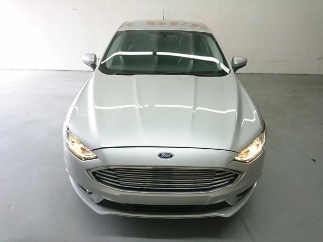 2017 Ford Fusion SE Sedan - 504935W - Image 6