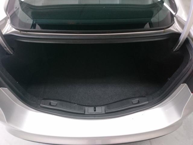2017 Ford Fusion SE Sedan - 504935W - Image 12