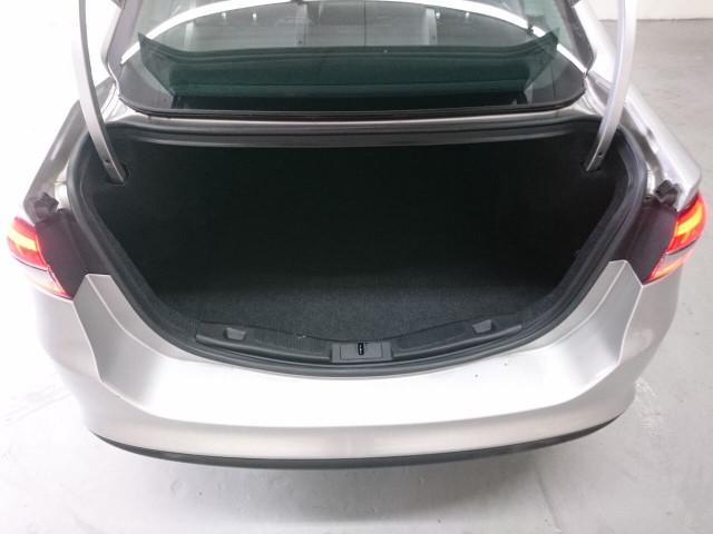 2017 Ford Fusion SE Sedan - 504935W - Image 13