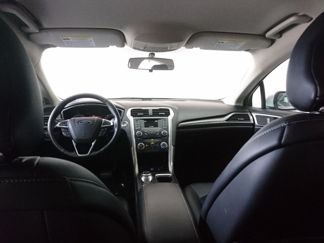 2017 Ford Fusion SE Sedan - 504935W - Image 20