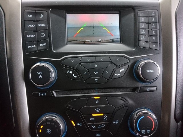 2017 Ford Fusion SE Sedan - 504935W - Image 26