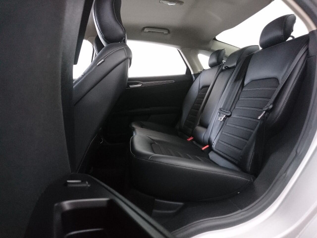 2017 Ford Fusion SE Sedan - 504935W - Image 35