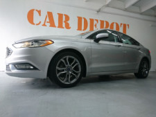 2017 Ford Fusion SE Sedan - 504935W - Thumbnail 8