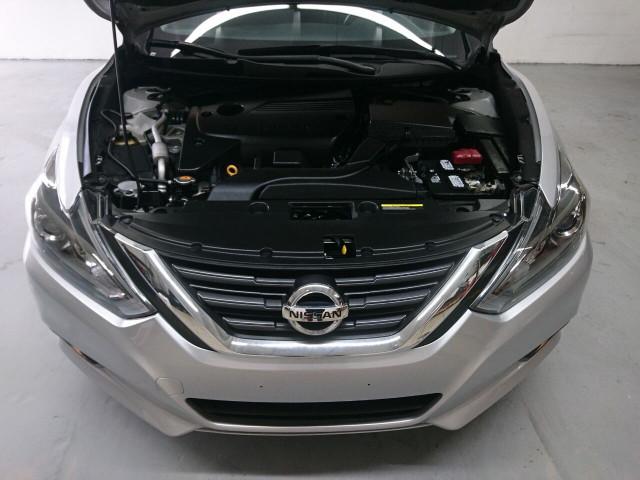 2016 Nissan Altima 2.5 SR Sedan - 504926W - Image 5