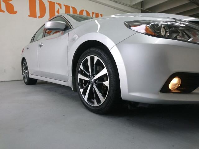 2016 Nissan Altima 2.5 SR Sedan - 504926W - Image 6