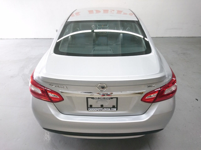 2016 Nissan Altima 2.5 SR Sedan - 504926W - Image 13