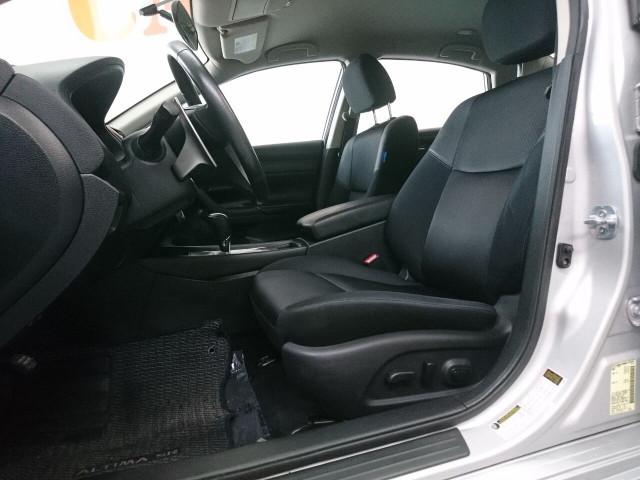 2016 Nissan Altima 2.5 SR Sedan - 504926W - Image 21