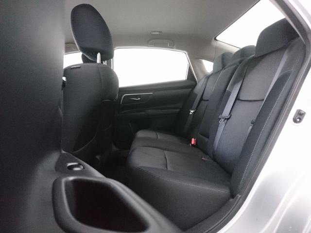 2016 Nissan Altima 2.5 SR Sedan - 504926W - Image 22