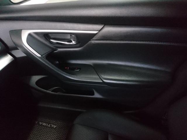 2016 Nissan Altima 2.5 SR Sedan - 504926W - Image 25