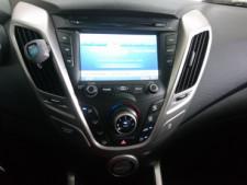 2015 Hyundai Veloster Base Coupe - 504859 - Thumbnail 27