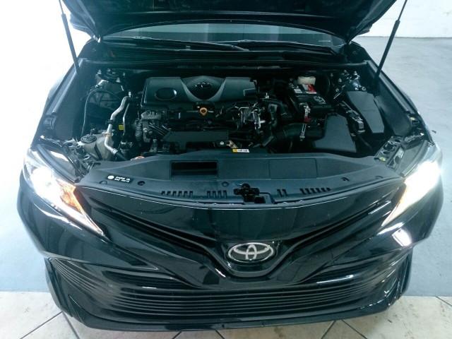 2018 Toyota Camry LE Sedan - 073980D - Image 9