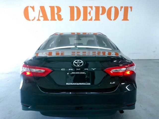 2018 Toyota Camry LE Sedan - 073980D - Image 19