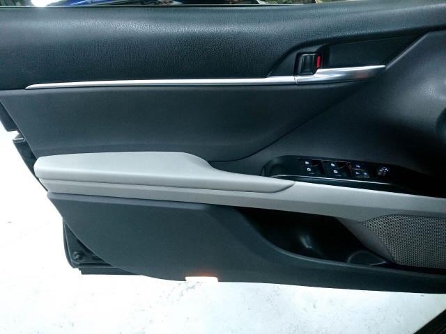 2018 Toyota Camry LE Sedan - 073980D - Image 31