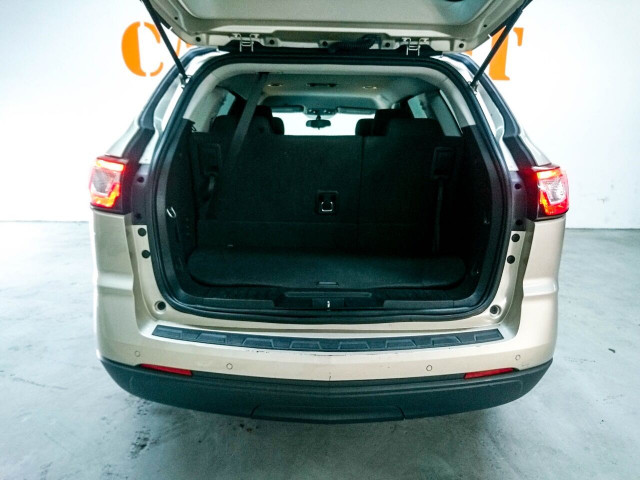 2016 Chevrolet Traverse LT w/1LT SUV - 166240D - Image 8