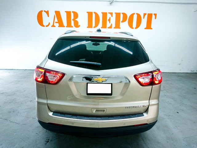 2016 Chevrolet Traverse LT w/1LT SUV - 166240D - Image 10