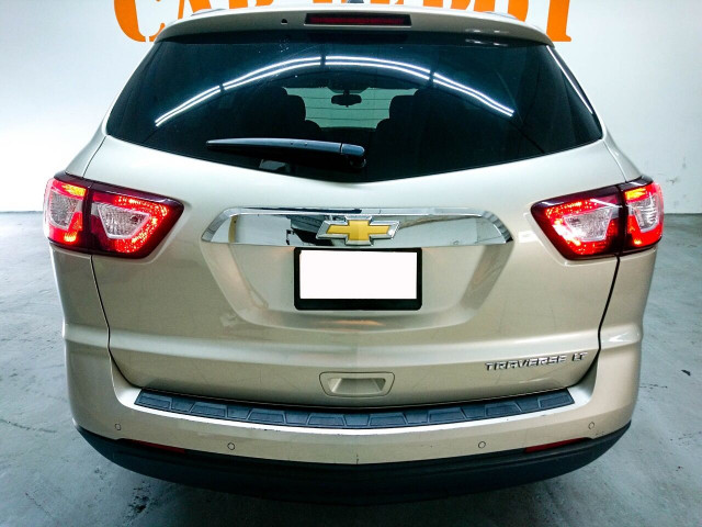 2016 Chevrolet Traverse LT w/1LT SUV - 166240D - Image 11