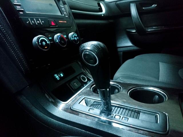 2016 Chevrolet Traverse LT w/1LT SUV - 166240D - Image 18