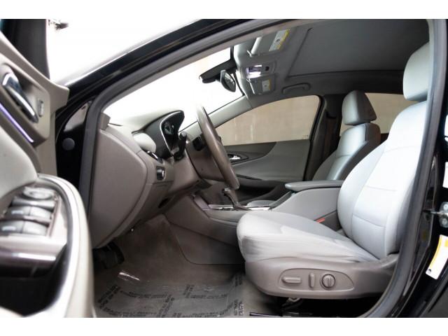2018 Chevrolet Malibu LT Sedan - 148557D - Image 19