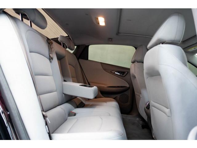 2018 Chevrolet Malibu LT Sedan - 148557D - Image 20