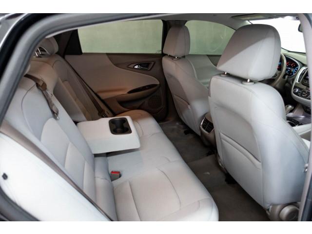 2018 Chevrolet Malibu LT Sedan - 148557D - Image 21