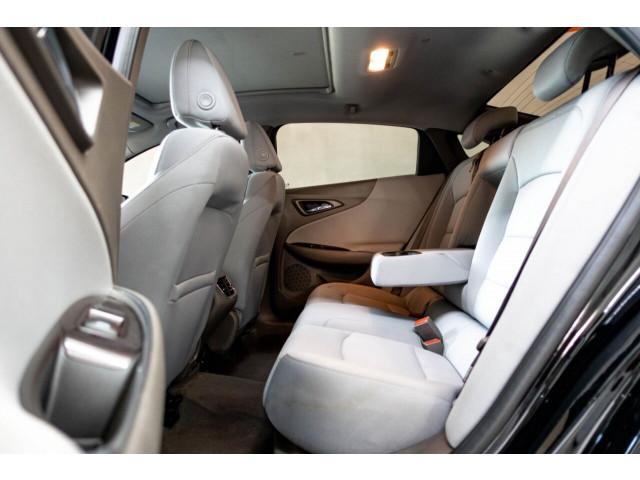 2018 Chevrolet Malibu LT Sedan - 148557D - Image 22
