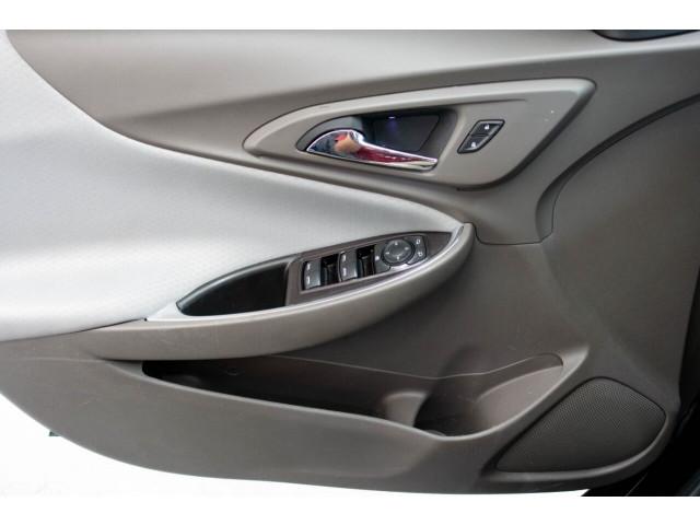 2018 Chevrolet Malibu LT Sedan - 148557D - Image 23