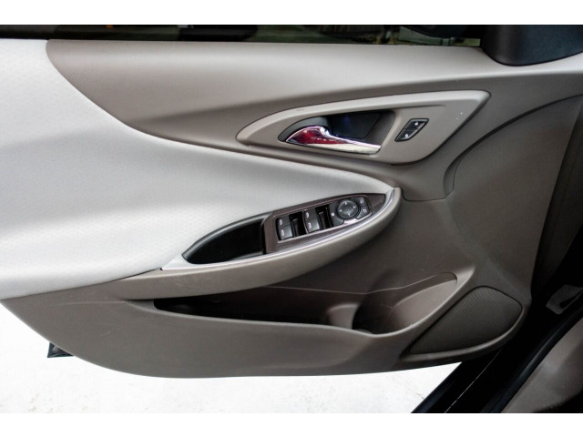 2018 Chevrolet Malibu LT Sedan - 148557D - Image 29