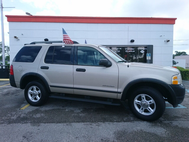 2005 Ford Explorer XLS SUV - 504688A - Image 1