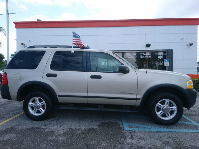2005 Ford Explorer XLS SUV - 504688A - Image 3