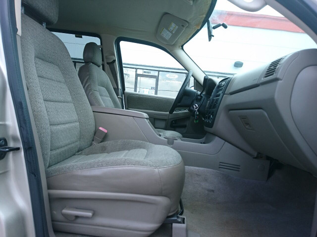 2005 Ford Explorer XLS SUV - 504688A - Image 4