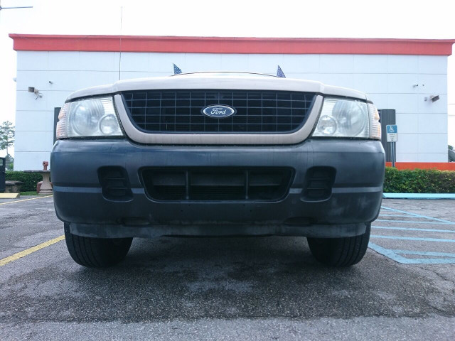 2005 Ford Explorer XLS SUV - 504688A - Image 9