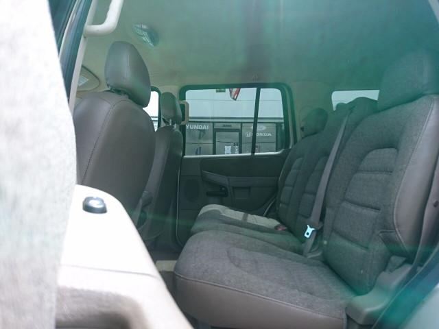2005 Ford Explorer XLS SUV - 504688A - Image 13