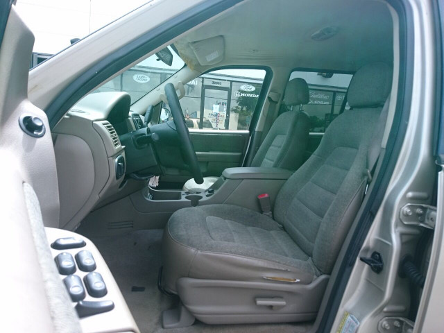 2005 Ford Explorer XLS SUV - 504688A - Image 14