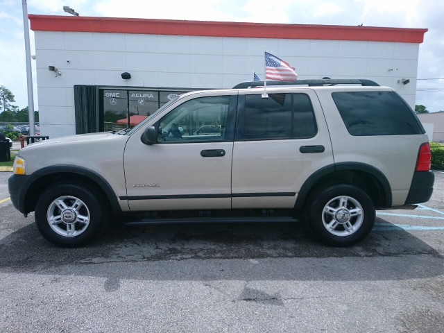 2005 Ford Explorer XLS SUV - 504688A - Image 15