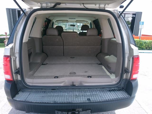 2005 Ford Explorer XLS SUV - 504688A - Image 27
