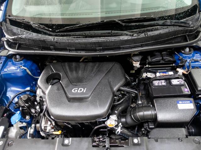 2017 Hyundai Accent SE 6A Hatchback - 504955W - Image 24