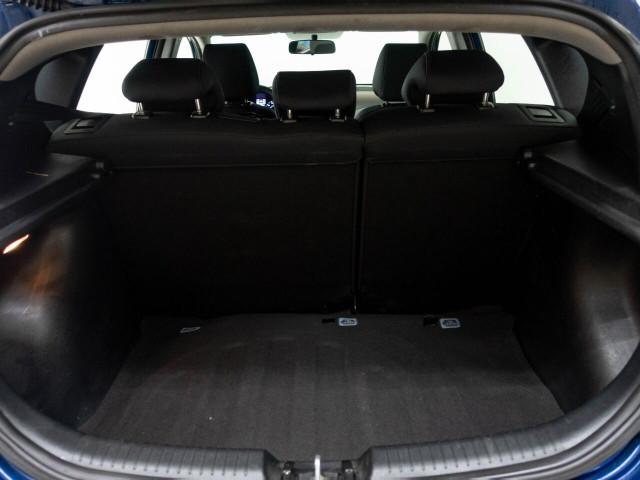 2017 Hyundai Accent SE 6A Hatchback - 504955W - Image 31
