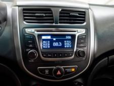 2017 Hyundai Accent SE 6A Hatchback - 504955W - Thumbnail 18