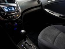 2017 Hyundai Accent SE 6A Hatchback - 504955W - Thumbnail 20