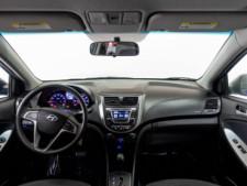 2017 Hyundai Accent SE 6A Hatchback - 504955W - Thumbnail 29
