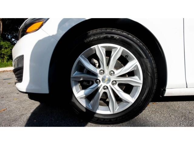2020 Chevrolet Malibu LT Sedan - 504964W - Image 11
